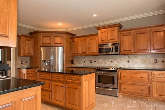 Honey Oak Cabinets Ubatuba Granite
