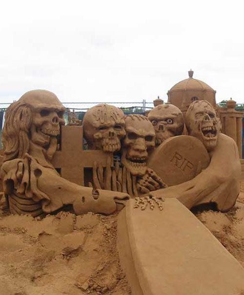 The best sand sculptures ever funny too - Wonderfulinfo.com
