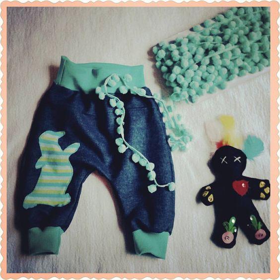 "Baby Baggy Pants ""Pinguin"" von cutekarin auf DaWanda.com"