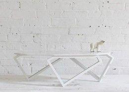 Tisch aus Marmor