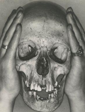 ERWIN BLUMENFELD 1897-1969 SKULL WITH CHARLEY TOOROPS HANDS