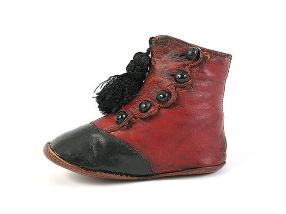 Shoe-Icons / Shoes / Red and Black Baby Button Shoes with Tassel. 1860-80: