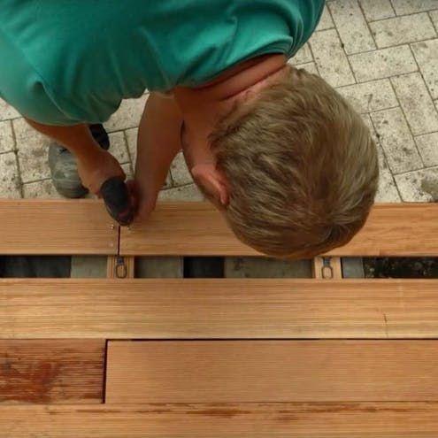 Holzterrasse Bauen Schritt Fur Schritt Holzterrasse Holzterrasse Selber Bauen Holzdielen Terrasse