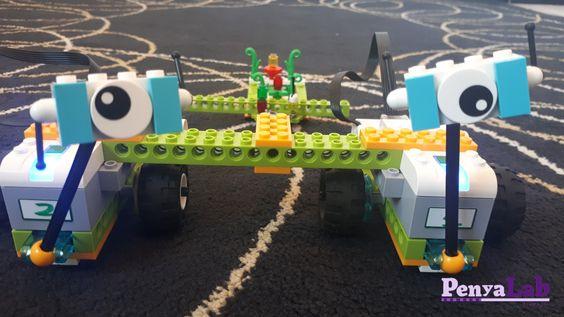 Robots Lego col·laborant