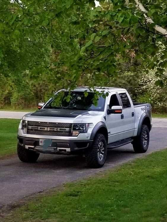 Sorry To Say 2c Due To Job Change I Need To Sell My Baby 2014 Svt Ford Raptor 6 2l Fox Shocks Rebuilt Last Summer 2c Tires 2 Year Ford Raptor Ford Oil Change
