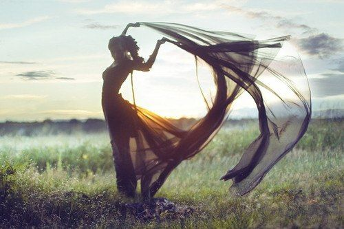 whole body in the frame | long dress + fabric in the wind