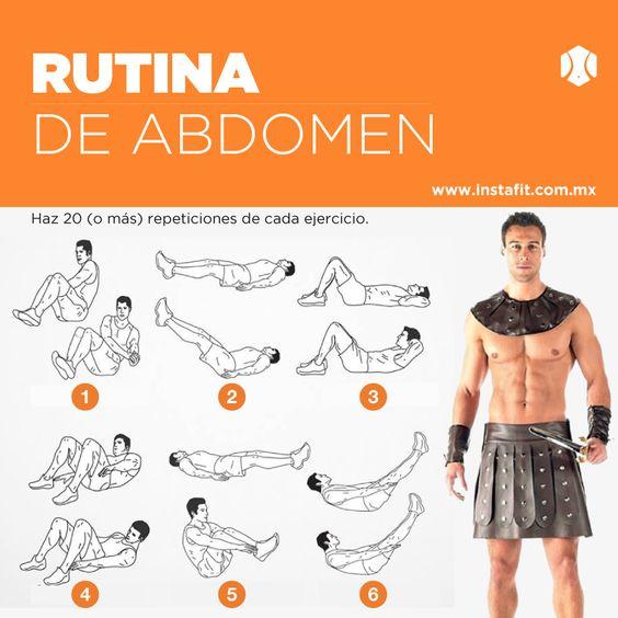 rutina de ejercicio joven desnudo