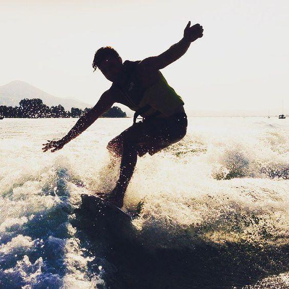 #wake2wake #wake #wakesurf #wakesurfing #waves #wakeboard #wakeboarding #black #zurich #zürichsee #lakezurich #mastercraft #x25 #style #water #watersport #likeit #loveit @korinawakesurf #nosamurai #dnns #dontneednosamurai