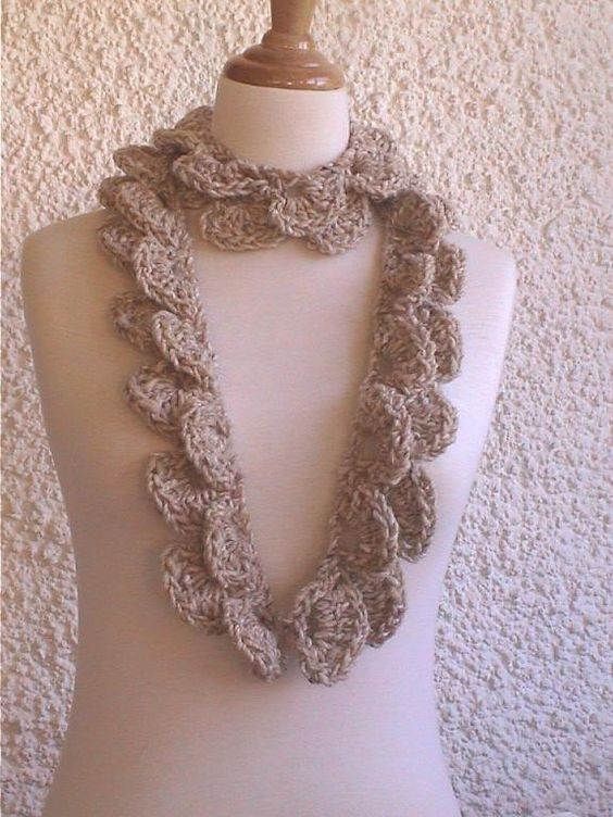 Lilirose scarf crochet pattern-not free, but easy enough to copycat :-)