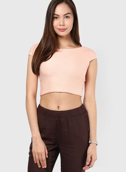 Buy Vero Moda Peach Solid Crop Top for Women Online India, Best Prices, Reviews | VE693WA15CLSINDFAS