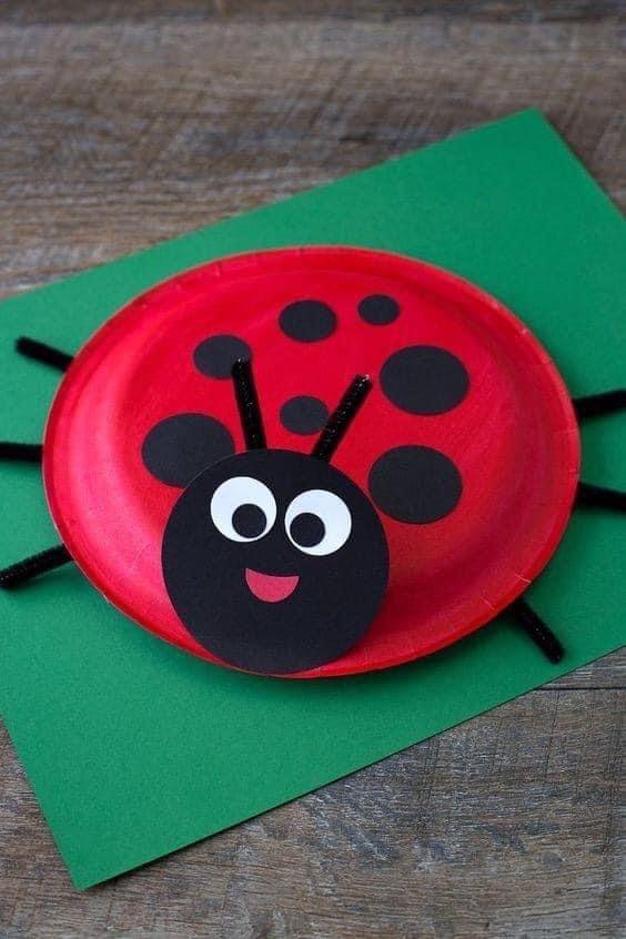 نشاط اعادة تدوير من اطباق الفل اصنعي لابنك اشكال فنية جميله محببة للاطفال Paper Plate Crafts For Kids Crafts For Kids To Make Ladybug Crafts