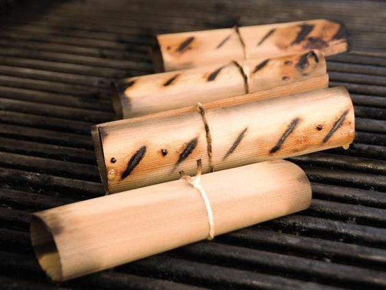 Die Wood Wraps von Weber machen das Grillen noch aufregender. Das Grillgut, zum Beispiel zartes Fischfilet, wird in die dünnen Holz-Wraps aus Zedernholz gewickelt und dann gegrillt - so entsteht ein wunderbar feines Raucharoma und ein unvergleichliches Geschmackserlebnis.
