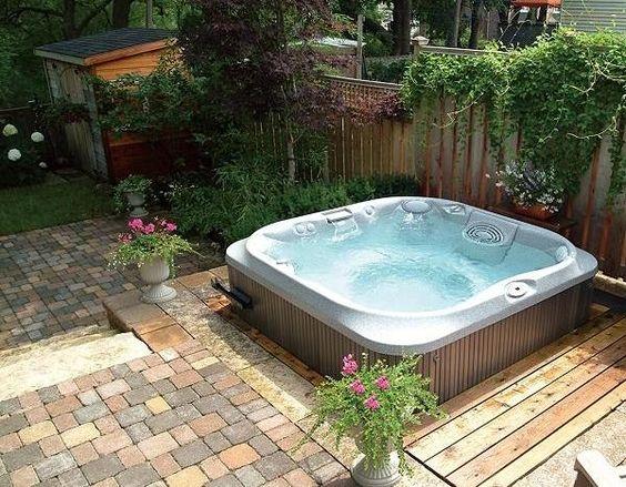 Whirlpool für außen garten halb einbau Outdoor lounge - whirlpool sichtschutz