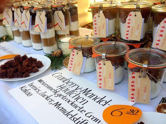 Paulas Frauchen: Amarettokuchen als Backmischung im Glas (und ein toller Stand auf dem Weihnachtsmarkt)