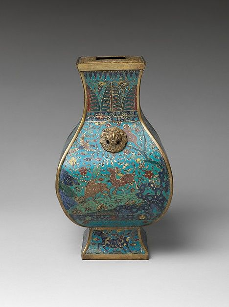 Vase. Cloisonné. Late Ming ( 1368 1644) or early Qing ( 1644 - 1911) dynasty. Gift of Edward G.Kennedy. Met Museum