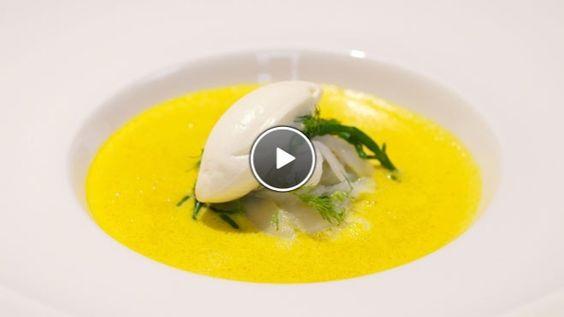 Schuimige soep van gele paprika met gerookte heilbot - Impress Your Friends   24Kitchen