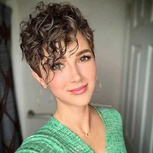 Latest Trend Short Curly Hairstyles For Sweet View Styles Art Short Curly Hair Curly Hair Styles Naturally Short Hair Styles