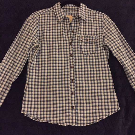 Hollister Plaid Button Down! Great condition! Only worn a handful of time. Pair this with some white jeans and you'll a great outfit. Hollister Tops Button Down Shirts