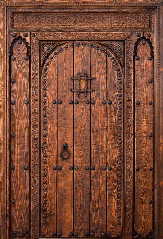 Country wood doors exterior entry doors antique doors for Puertas rusticas de herreria