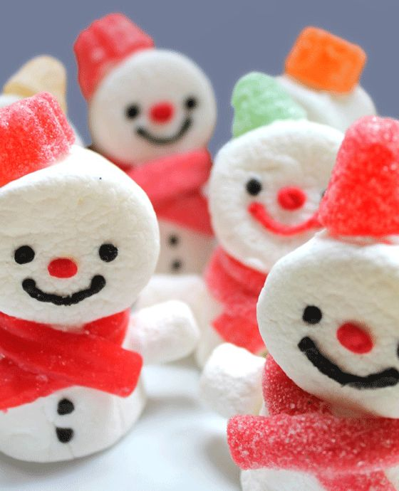 These sweet marshmallow snowmen are fun & easy to make!