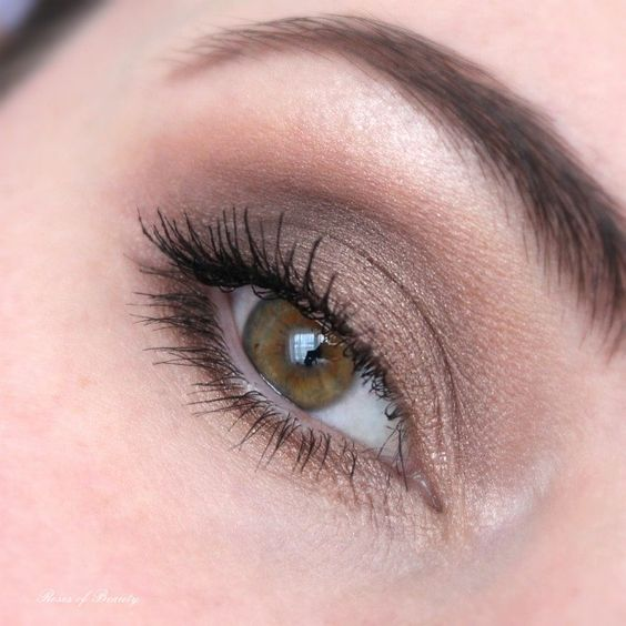 Roses of Beauty: One Brand Look Catrice: Sand Nudes & Berries