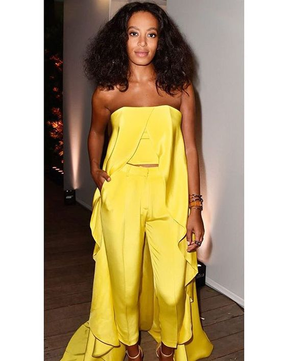 """""""I didn't have the confidence I have now during my teenage years. But over time you evolve and become really, really comfortable with who you are. Don't apologize for it! Stand firm and stay consistent."""" - Solange Knowles  #wcw #solange #beauty #girlcrush #EverydayAlima"""