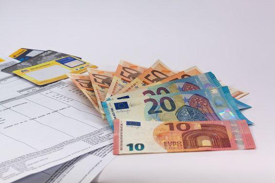 ¿Cómo enviar dinero urgente? Ver: https://creditosyrapidos.com/finanzas/enviar-dinero-urgente/ #dinero #trasnferencia