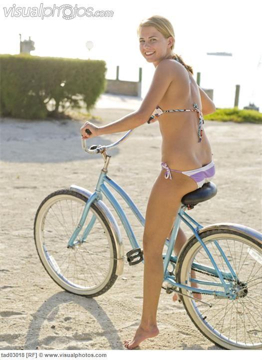 dewi sandra sexy topless photos