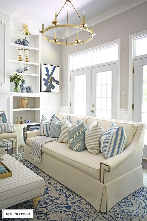 7 New Traditional Living Room Decor Ideas For An Elegant Home 2021 Coastal Chic Living Room Summer Living Room Living Room Decor Traditional New traditional style living room