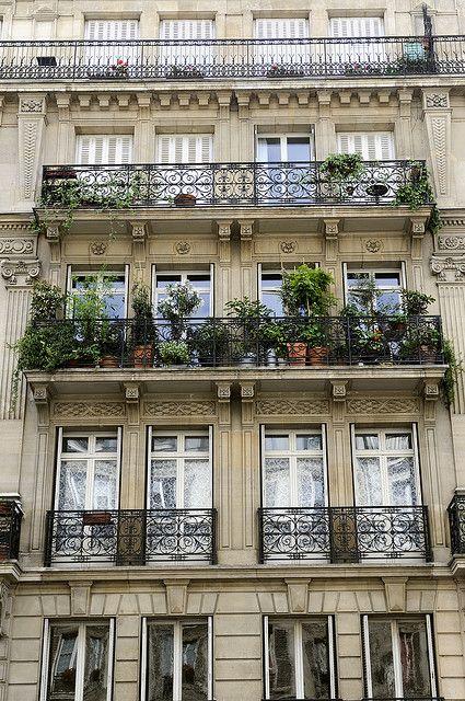 Balcony garden paris gardening outdoors pinterest for Beautiful apartment balconies