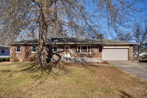 3231 E Independence St Springfield Mo 65804 Real Estate Springfield Home Buying