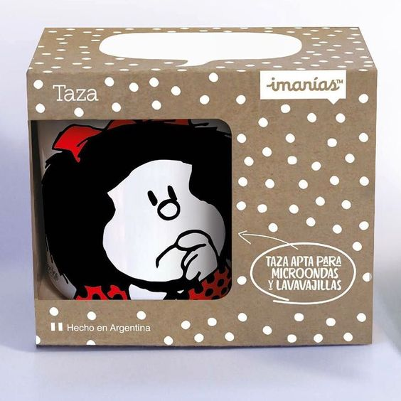 "Las nuevas tazas oficiales de ""Mafalda"" by @somos.imanias vienen en un envase en cuya gráfica aparecen tres de nuestras tipografías! Se venden en www.imanias.com. The new official ""Mafalda"" cups by @somos.imanias are being presented using some of our fonts (Brownstone Quotes & Theorem). #cups #mafalda #quino #sudtiposinuse #fonts #graphicdesign #comic #cartoon #imanias #argentina by sudtipos"