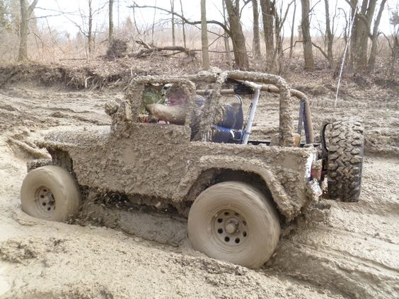 I wish I could get as dirty with my girlfriend as I do with my Jeep. - Imgur