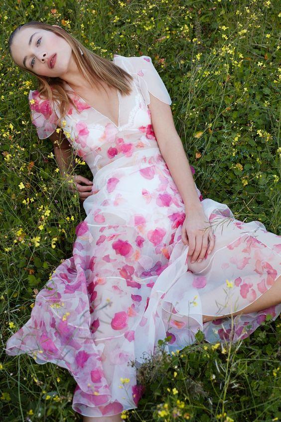 Rozanne Verduin | Harper's Bazaar en Español | Floral Fashion Editorial