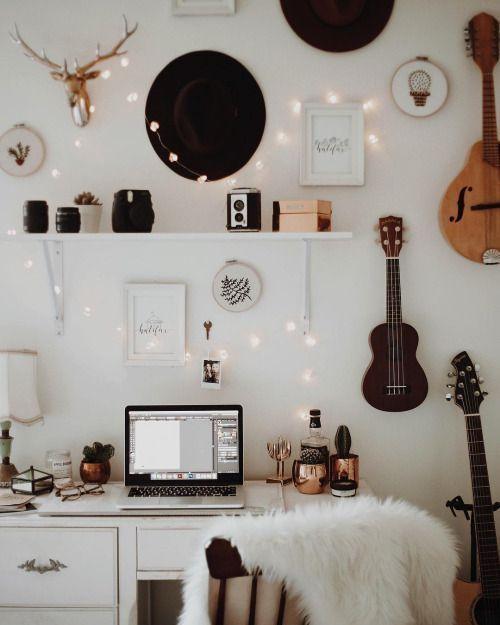 31 Super Useful Diy Desk Decor Ideas To Follow Homesthetics Inspiring Ideas For Your Home Aesthetic Room Decor Aesthetic Rooms Apartment Decor