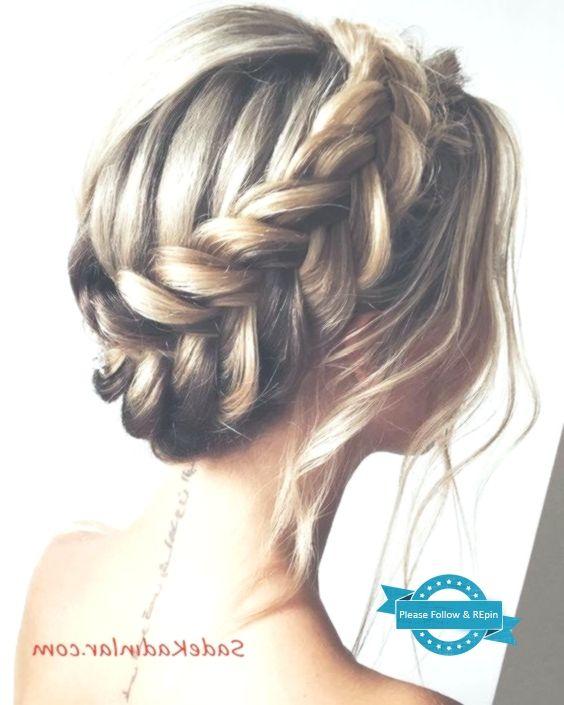 Die Elegantesten Abendkleider Frisuren Haar Frisuren Frisurenfrauen Frisuren Hochzeitsfrisuren Abendfrisuren