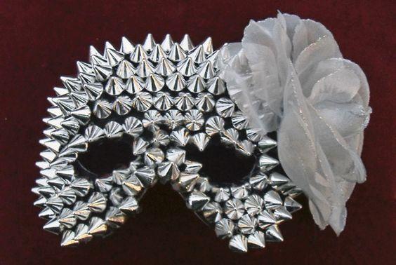 spikey mask