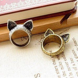 i want a cat ring or rabbit ring! PLEASE ^^