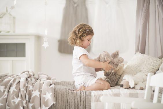 zachte zandkleurige babydekens en lakens