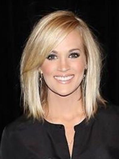 Carrie Underwood Short Haircuts In 2020 Carrie Underwood Hair Medium Hair Styles Hair Styles