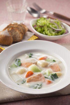 鮭とチンゲン菜のクリーミーシチュー by ハウス食品株式会社 ...