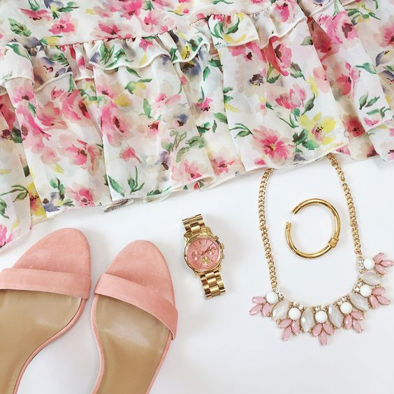 Shoes, Spring Daily Outfits and Y clutch // http://www.stylishpetite.com/2015/05/shoes-spring-daily-outfits-and-y-clutch.html