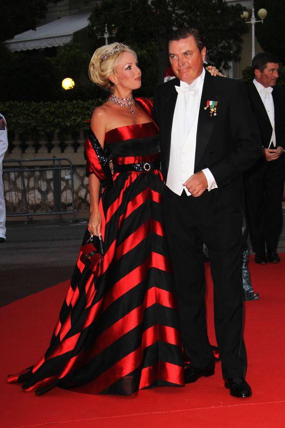 LOVE this dress!           Princess Camilla of Bourbon-Two Sicilies