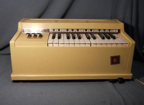 Vintage Ge General Electric Tabletop Portable Organ Child