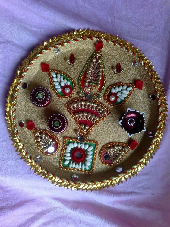 Fashion beauty rakhi and beauty on pinterest for Aarti thali decoration pictures navratri