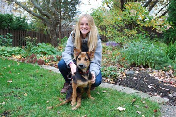สุดซึ้ง! สาวแคนาดาช่วยหมาพิการไทย จนเดินได้!!