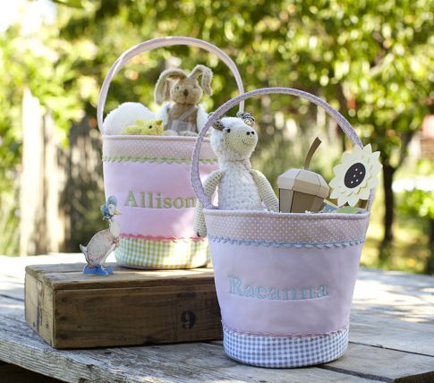 Sweet Easter baskets =) This Easter we can really enjoy with Grace!! Can't freakin' wait!!