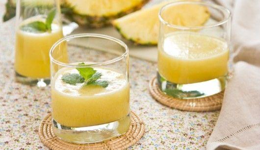 : Fruchtig süßer Sommercocktail mit frischem Minzaroma. Minz-Duft besitzt eine stimmungsaufhellende Wirkung - also ist dieser Drink absolut Party-tauglich. Wer mag kann auch einen Schuss weißen Rum hinzufügen und so seinen eigenen Ananas-Mochito kreieren
