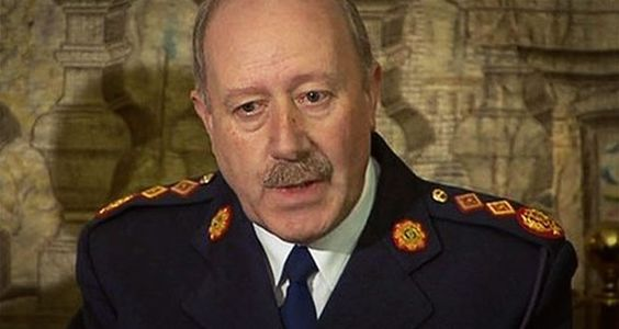 Руководитель Гарды ушел в отставку из-за скандала со штрафами |