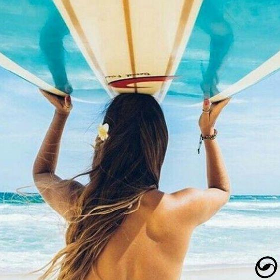 O dia só vale a pena quando dá pra pegar onda e curtir o sol! ☀🌊